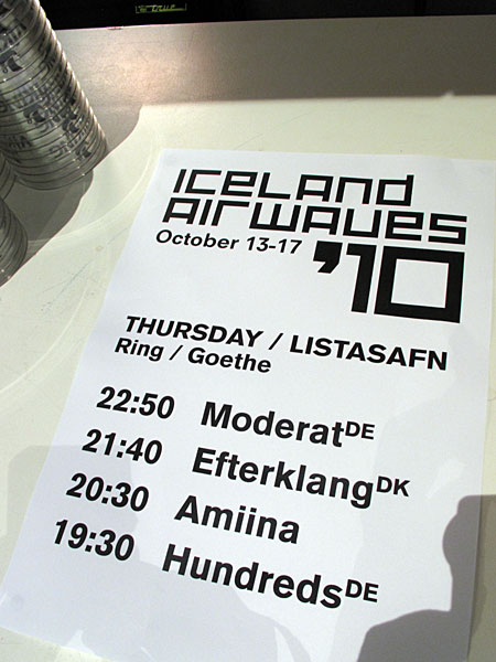 Reykjav&iacute;k. Iceland Airwaves '10, part I. - On the stage tonight: <a href='http://www.bpitchcontrol.de/artist/7' target='_blank' class='linksnormal'>Moderat</a> (GER), <a href='http://www.efterklang.net' target='_blank' class='linksnormal'>Efterklang</a> (DK), <a href='http://amiina.com' target='_blank' class='linksnormal'>Amiina</a> (IS) and <a href='http://hundredsmusic.com' target='_blank' class='linksnormal'>Hundreds</a> (GER). (14 October 2010)