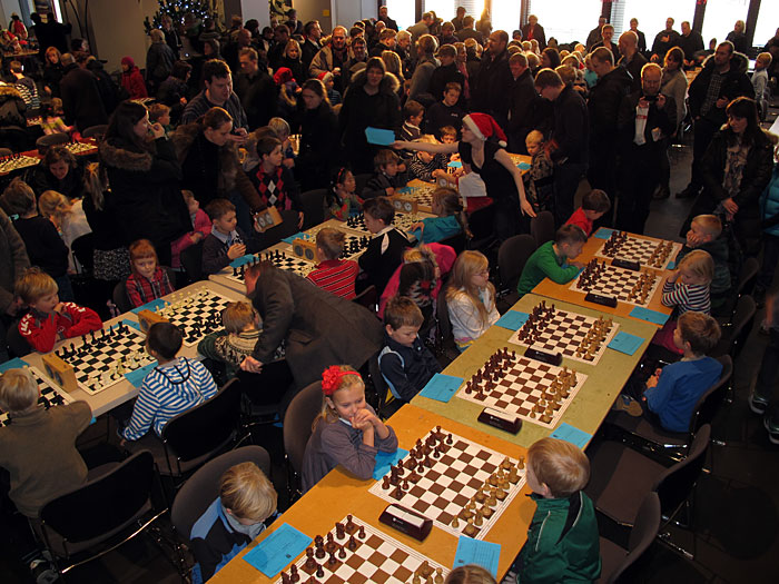 Reykjavík. Chess tournament for kids in the town hall. - Big boom for this chess tournament! (18 December 2010)