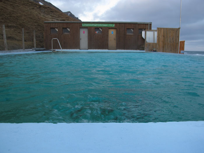 Djúpavík. Finally back in Djúpavík but driving very next to the north! - Swimming pool Krossnes. (31 December 2010)