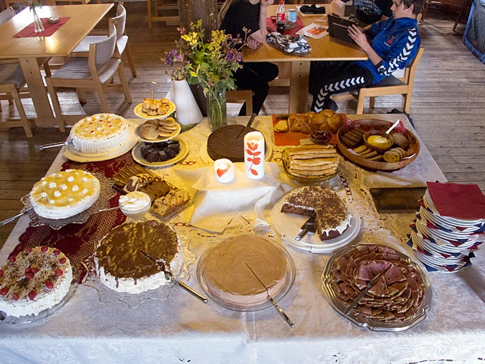 Djúpavík. Djúpavíkdays - 3x buffet! - And the third buffet - our cake buffet on Sunday (or the third day of the Djúpavíkdays). (17 til 19 August 2012)