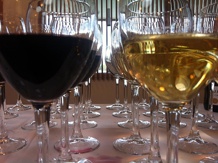 Reykjav&iacute;k. Ulrike Ottinger in Iceland. - Wine glases for the opening event - exhibition &quot;Markt&quot; &amp; &quot;Alltag&quot; with photographs by <a href='http://www.ulrikeottinger.com' target='_blank' class='linksnormal'>Ulrike Ottinger</a>. (3 October 2012)
