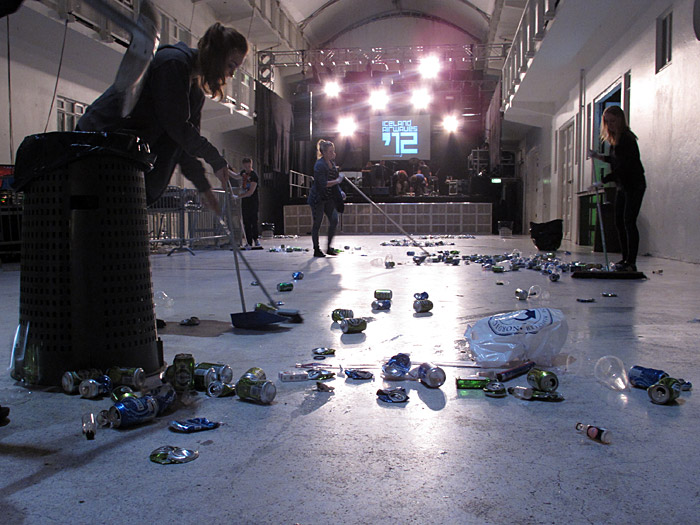 Reykjavík. Iceland Airwaves '12, part III - One more thing. - Cleaning up, endless drink cans. (3 November 2012)