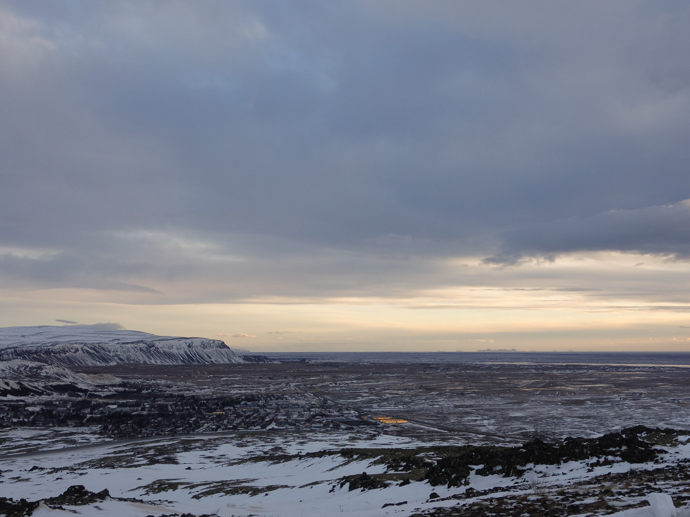 Golden Circle. Frozen Circle. - Hellisheiði, View to the east, crossing Hveragerði. (2 January 2014)