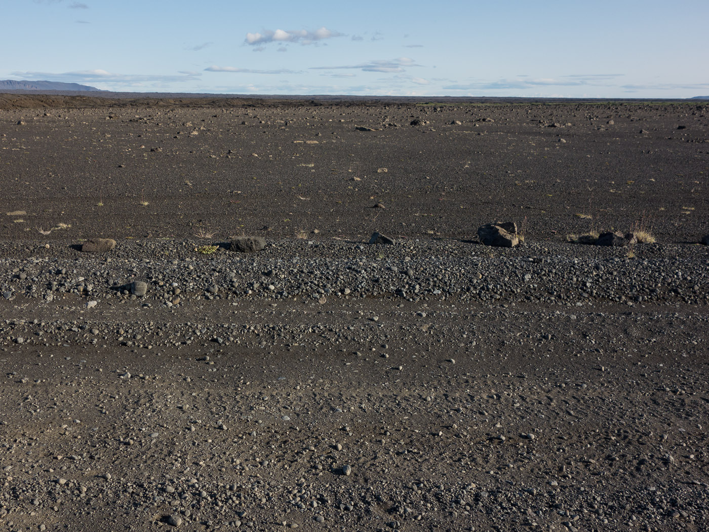 Northern Iceland - Back to Svarfaðardalur. On vacation. - Stones ... (beside road F88) (25 July 2014)